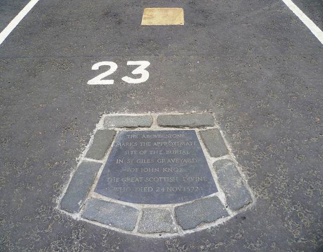 john-knox-grave-edinburgh-car-park-23